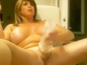 Tranny playing with and cumming...