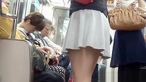 Hairy cunt asian urinates...