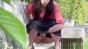Japanese hos piss outside...