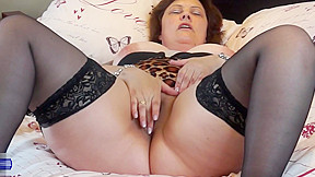 British mom tiger cub fingering...
