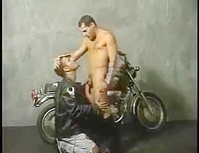 Two chicks leather bikers fucking...