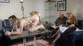 Alternative fetish model violettes and livingroom restraint...