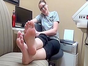Grannie nude feet soles saf...