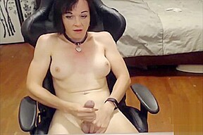 Jerks dick webcam...