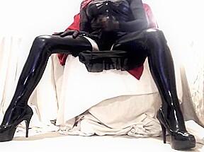 Kinky crossdresser relaxing stockings and heels 4...