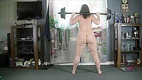 Ass chick dancing shaking booty...