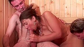 Jeune Beurette Sodomisee Dans Un Gangbang Avec Papy