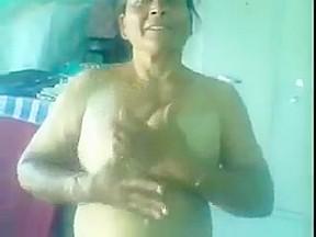 Desi mature punjabi aunty giving bj and getting...