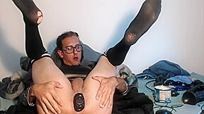 Emo sissy dildo and gaping...