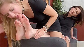 Sharron small worship her feet is fucking perfect...