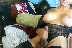 Beauty ebony webcam...