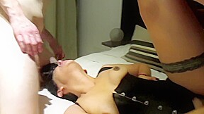 Brutal sexo anal y orgia en la terapia...