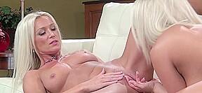 Blonde bimbo diana pussy licked good...