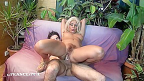 La france a poil hairy and milf in...