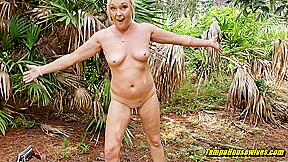 Stripping gets her a creampie...