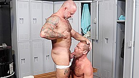 Mature french daddy eats hairy asshole in locker...