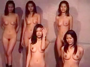 Nude girl show up for escort...