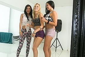 lesbian N103...