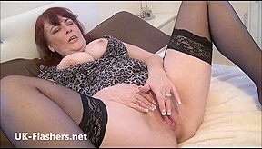 amateur masturbates and shows off old pussy...