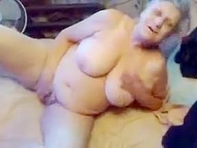 Exhibitionist slut granny loves to be watched masturbating...