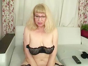 Hairy granny in tights...