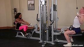 Black pumps dude at gym...