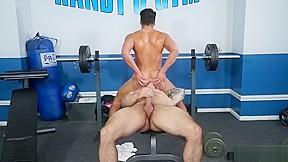 Muscle bodybuilder anal cumshot...