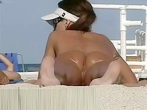 Nice milf nude now...