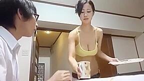 Huge Woukbig Pussybig Assbig Titsbig Boobs Slut And Great Booty Hot