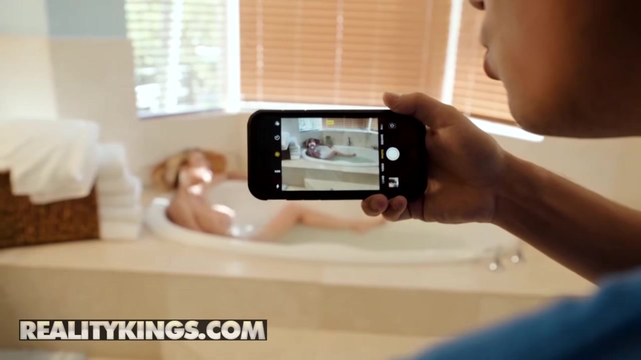 Reality Kings - Moms Bang Teens - Alexis Fawx Harmony Wonder Ricky Spanish