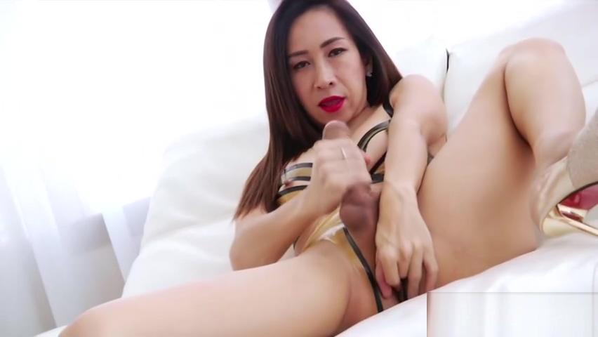 Fetichist Tgirl Tanny Solo Masturbates