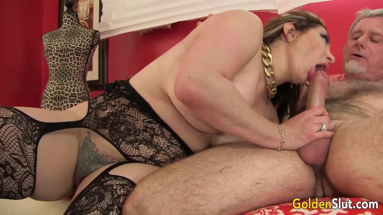 Curvy Mature Savannah Jane Takes an Old Dick for a Joyride