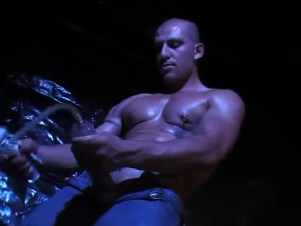 Tattooed muscle solo pumping