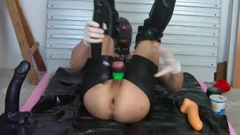 Heavy Rubber Boy Anal Games