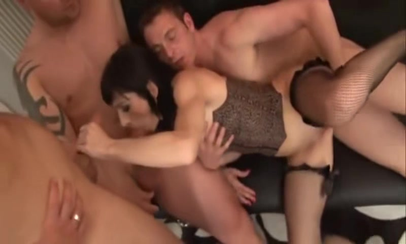 White Mature MILF Suck and Fuck with Strangers