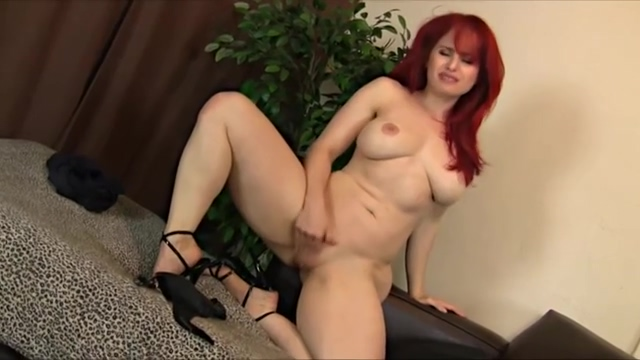 Andrea-Rosu-Wonderful-Redhead - Busty-and-Fitness-Body-Beauty