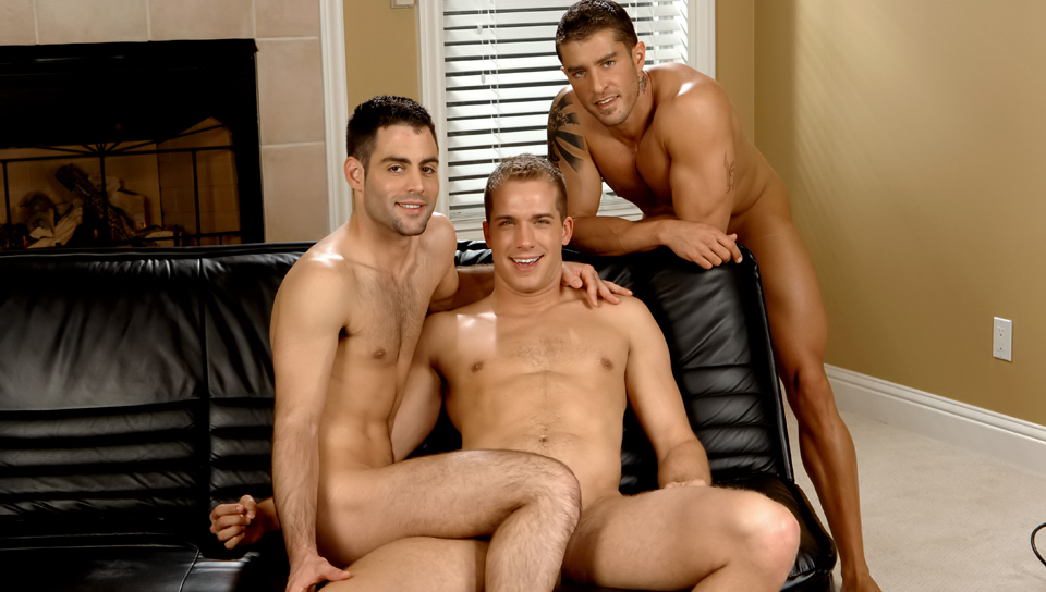 Cody Cummings & Justin Ryder & Brandon Lewis in The Cableman Can Fix All! XXX Video