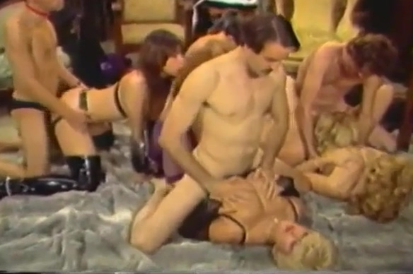 CANDY SAMPLES IN GROUPSEX - CLASSICS