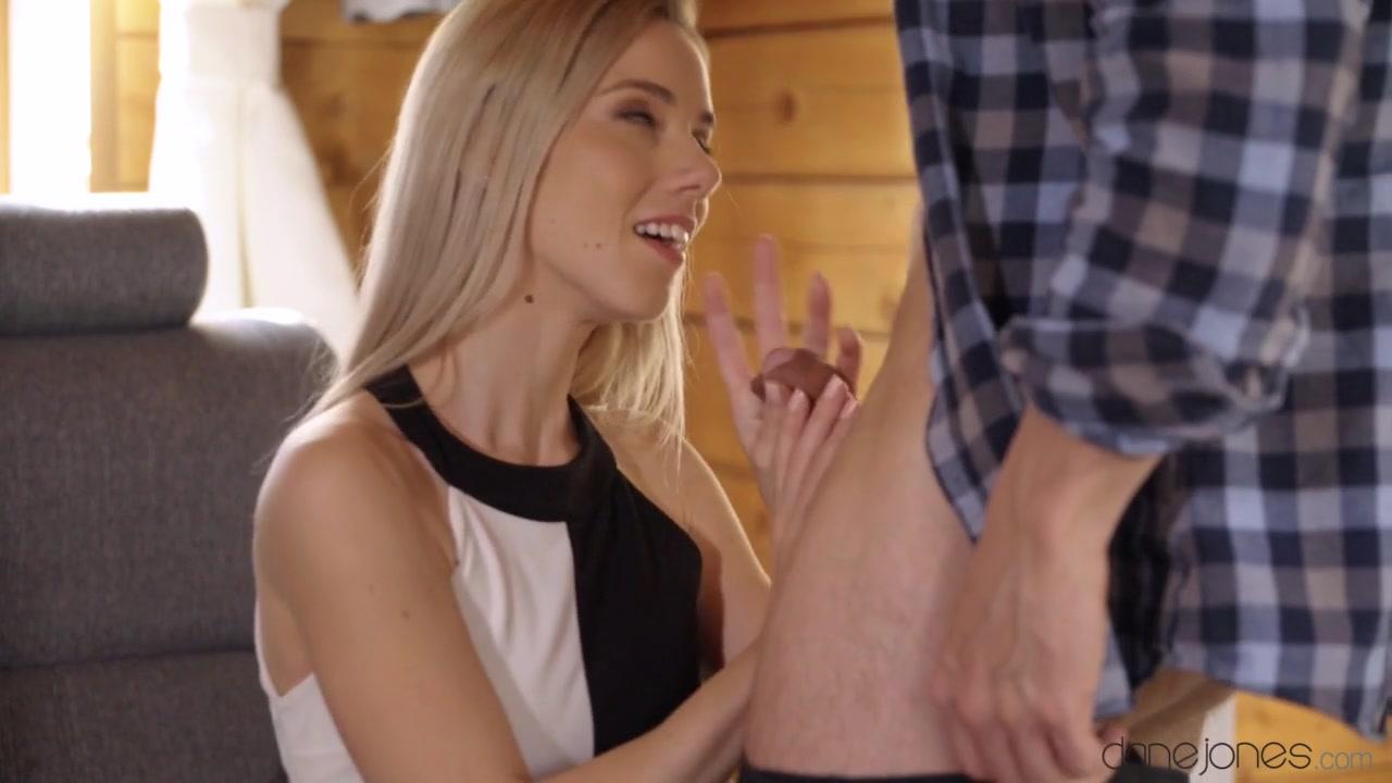 Nesty in Slim blonde lusts for her gardener - SexyHub