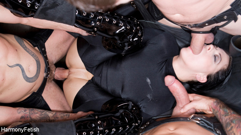 Aliz & Jay Snakes & Astral Dust & Deke in Dirty Slut gets Slammed by 3 Gimps - KINK