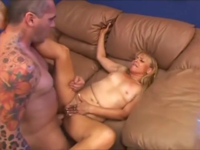 Blonde Moment - hot mature 50+