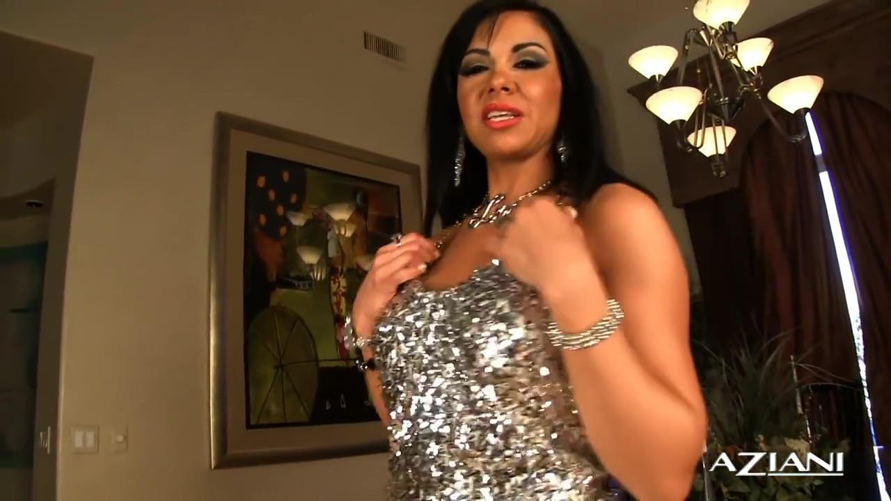Aziani - Viana Milian - Video 1