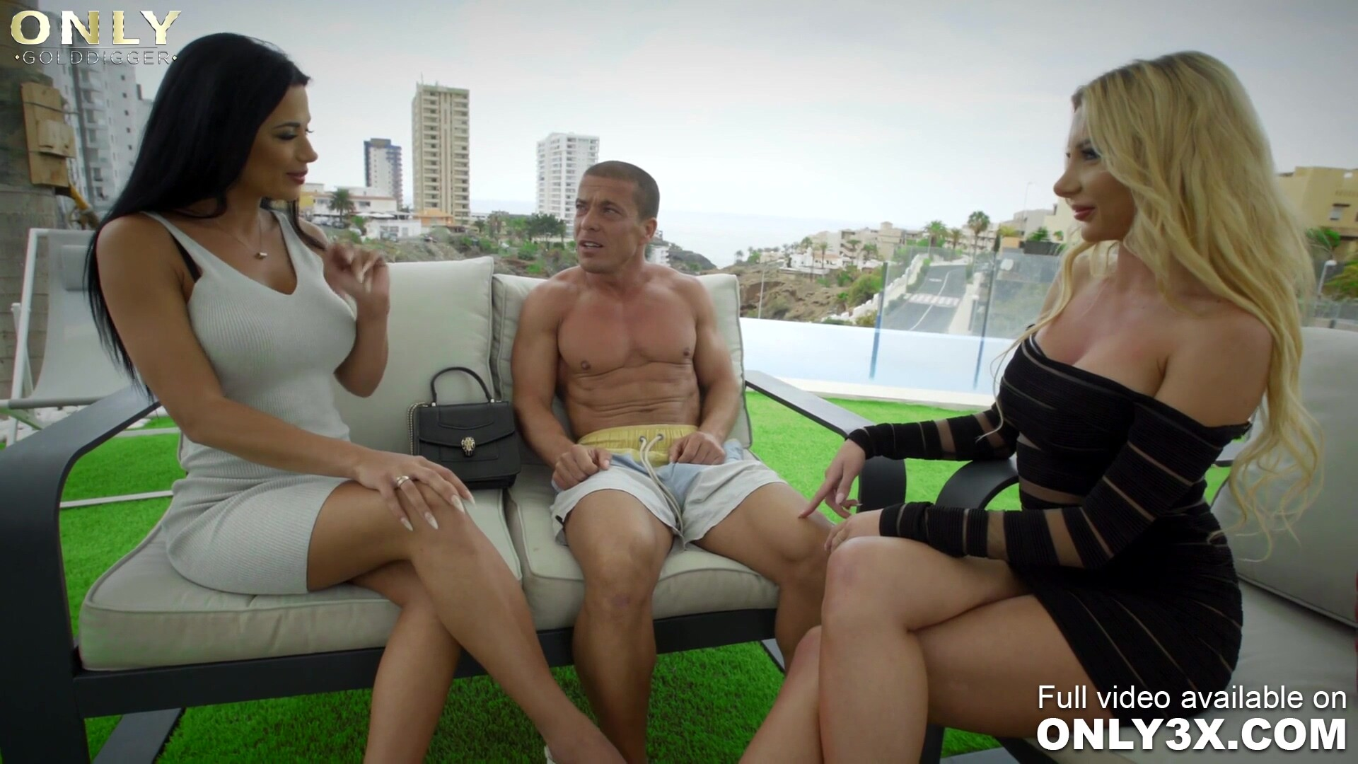 Tarts Shalina Devine and Marilyn Crystal get creamed by personal trainer