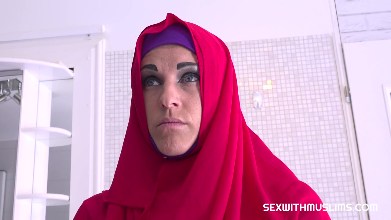 Blanche Bradburry is a luscious Muslim cock teaser, who knows how to make guys moan