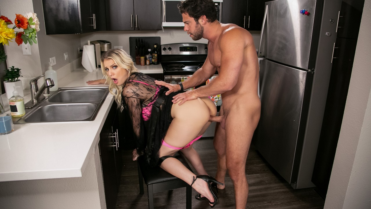 Kenzie Chooses Dick Over Dishes Free Video With Kenzie Taylor & Seth Gamble - Brazzers