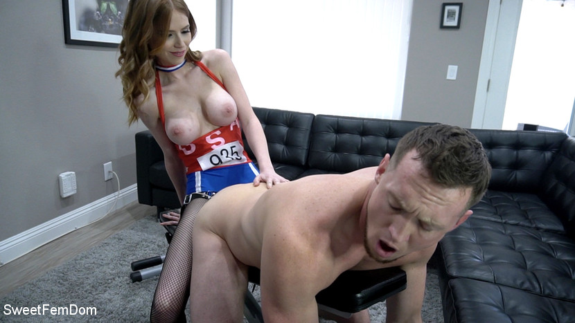 Pepper Hart & Pierce Paris in Olympic Pegging With Pepper Hart - KINK