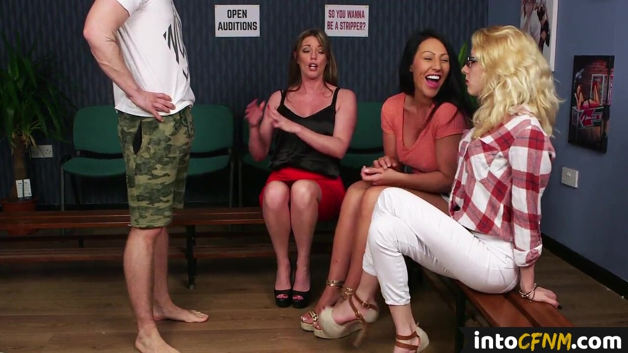CFNM dommes blowing male stripper at audition