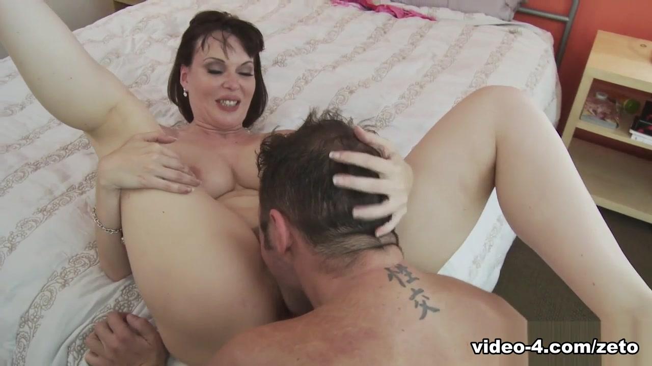 Amateur MILF Tina Tyler In XXX Action