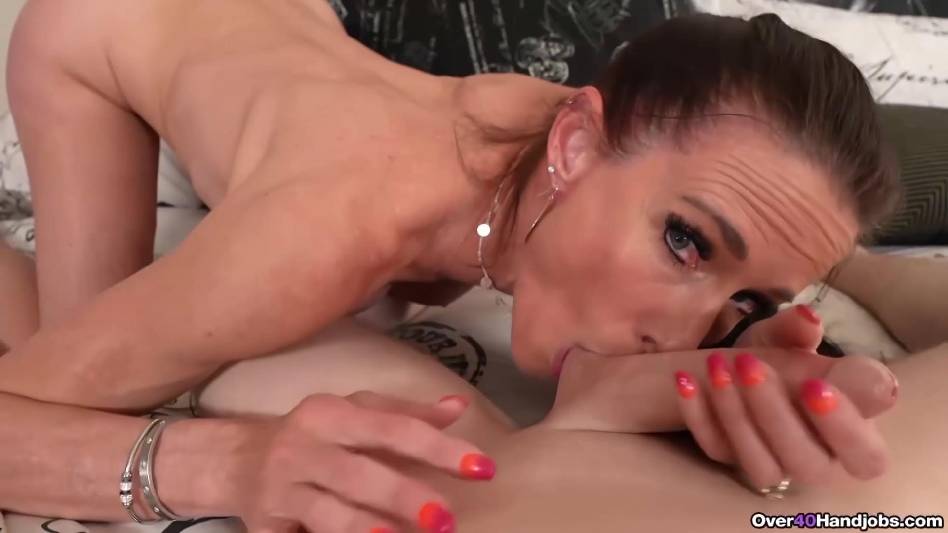 Sofie Marie - String Bikini Milf Pov Handjob