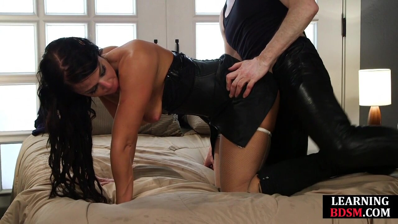 BDSM student tries to impress teacher